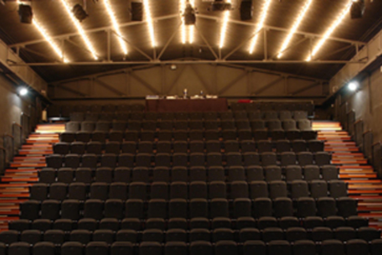 immagine di copertina The Theatre